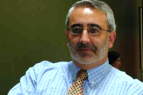 Dr. Cristián Antoine, académico de la Escuela de Periodismo