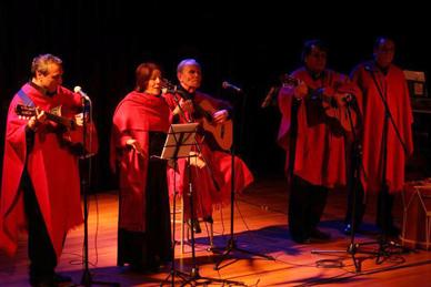 Hoy se realiza concierto todav a cantamos que re ne a for Concierto hoy en santiago